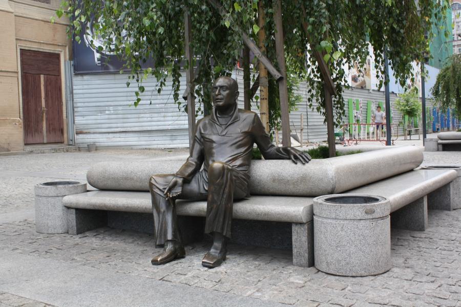 Памятник Аксельроду Геннадию